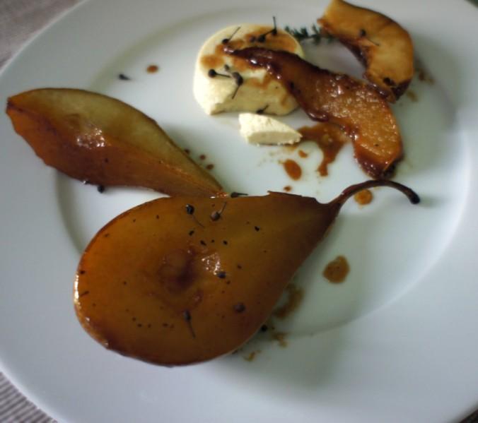 Budino di parmigiano e pere caramellate